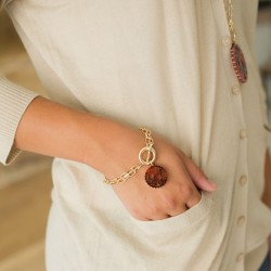 Scallop Acrylic Bracelet